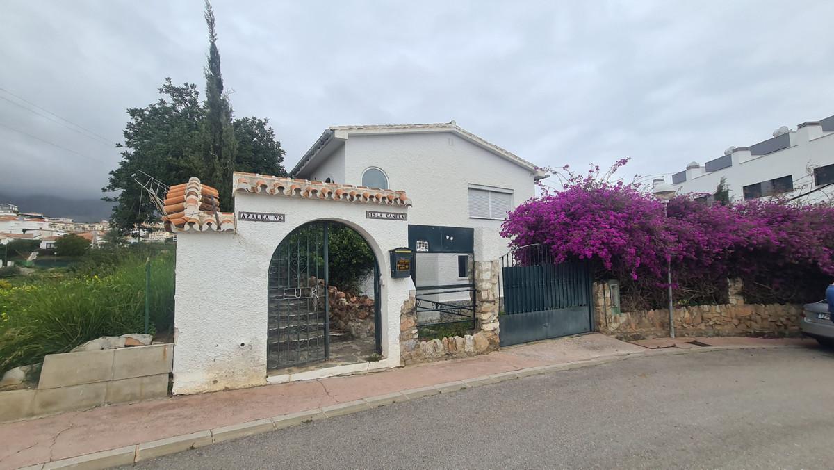 Detached Villa, Torreblanca, Costa del Sol. 4 Bedrooms, 2 Bathrooms, Built 175 m², Garden/Plot 787 m,Spain