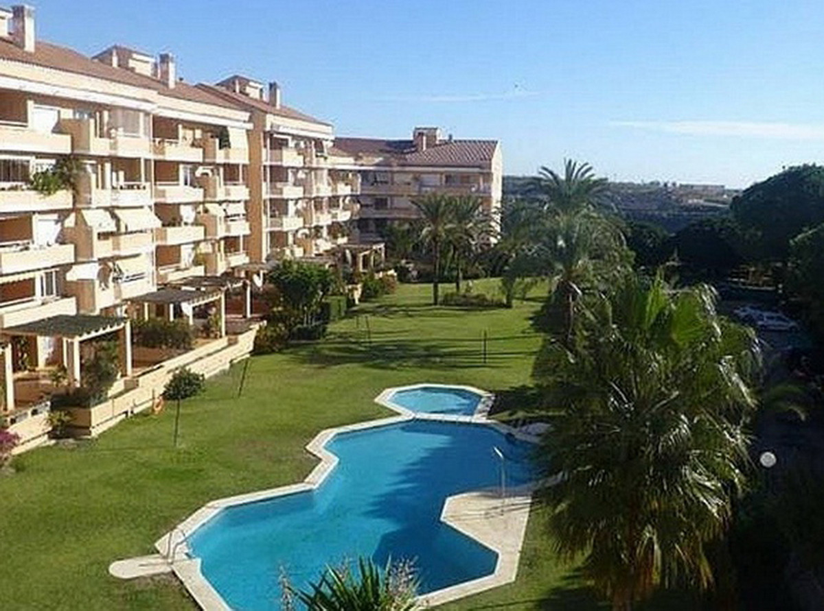 Middle Floor Apartment, El Padron, Costa del Sol. 3 Bedrooms, 2 Bathrooms, Built 116 m².  Setting : ,Spain