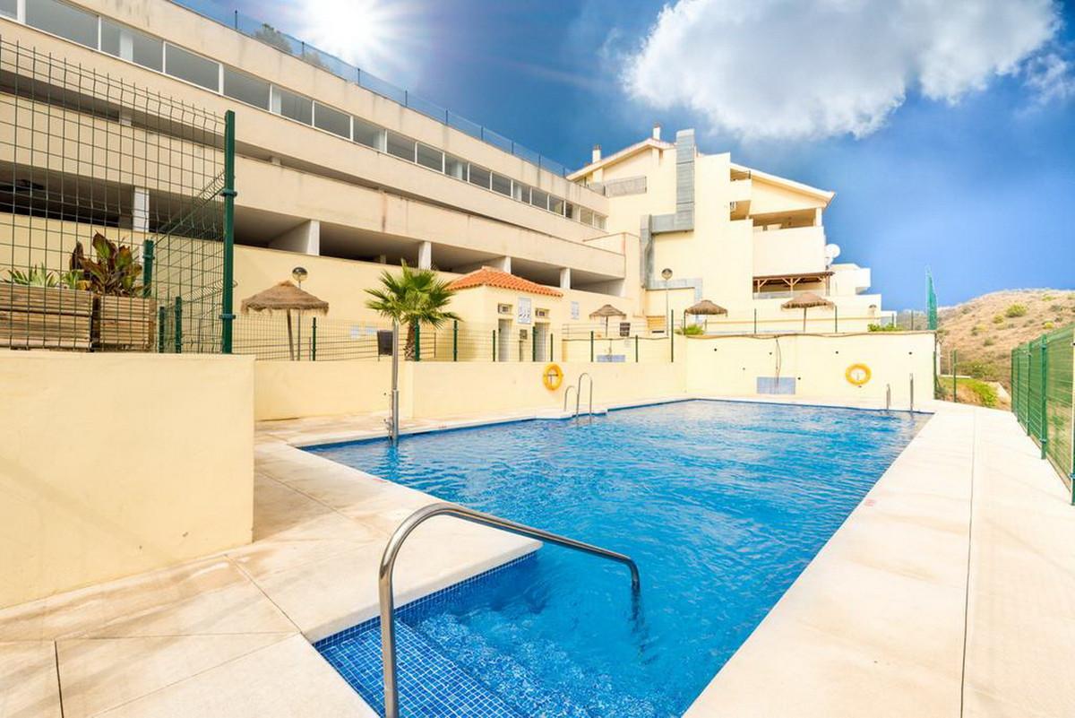 Middle Floor Apartment, Torreblanca, Costa del Sol. 2 Bedrooms, 2 Bathrooms, Built 110 m².  Setting ,Spain