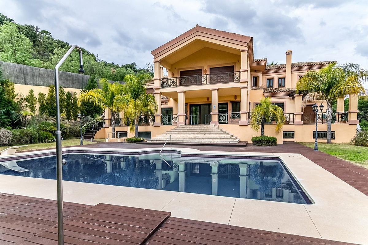 Detached Villa, El Madronal, Costa del Sol. 8 Bedrooms, 9 Bathrooms, Built 1119 m², Garden/Plot 5723,Spain