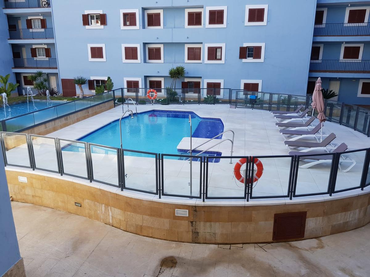 Middle Floor Apartment, Sotogrande, Costa del Sol. 2 Bedrooms, 2 Bathrooms, Built 86 m².  Setting : Spain