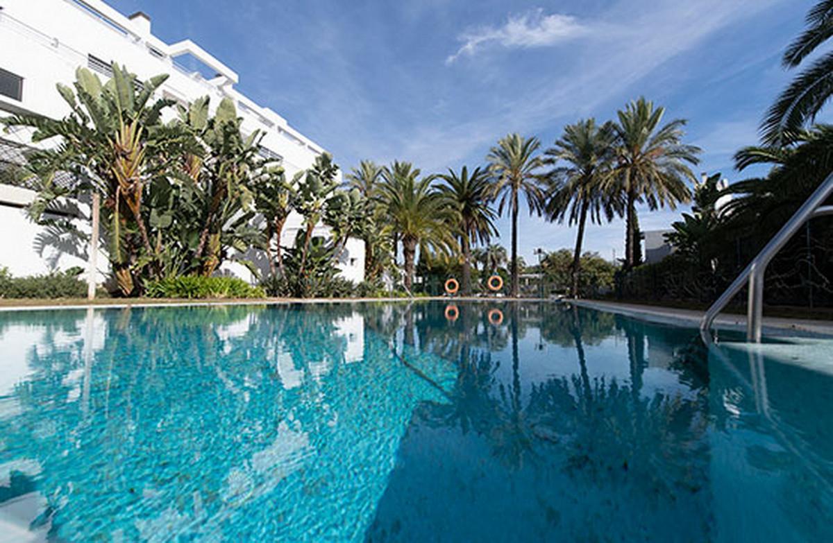 Middle Floor Apartment, Mijas, Costa del Sol. 2 Bedrooms, 2 Bathrooms, Built 126 m².  Setting : Clos,Spain
