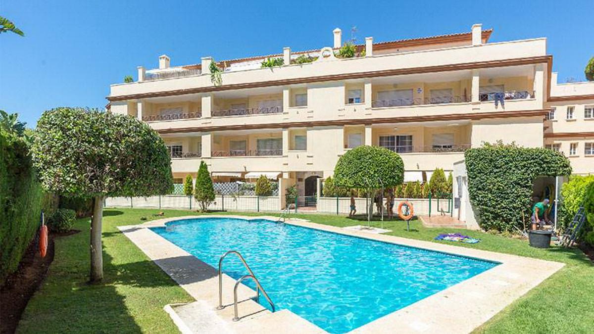 Ground Floor Apartment, Elviria, Costa del Sol. 2 Bedrooms, 2 Bathrooms, Built 89 m².  Setting : Clo,Spain