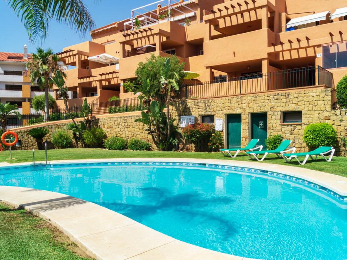 Middle Floor Apartment, Las Chapas, Costa del Sol. 2 Bedrooms, 2 Bathrooms, Built 61 m².  Setting : ,Spain