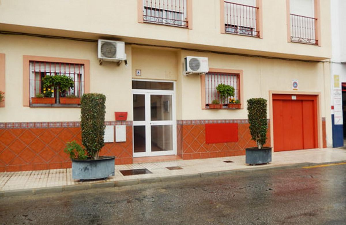 Middle Floor Apartment, Las Lagunas, Costa del Sol. 2 Bedrooms, 2 Bathrooms, Built 90 m².  Setting :,Spain