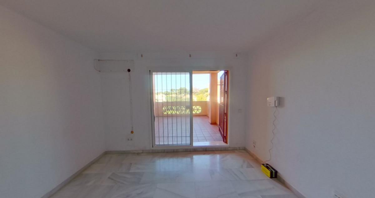 2 Bedroom Middle Floor Apartment For Sale Reserva de Marbella