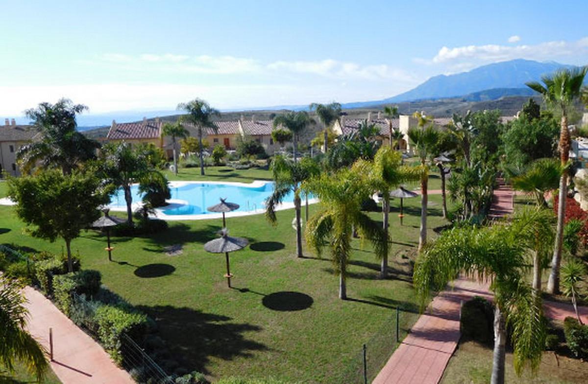 Ground Floor Apartment, Benahavis, Costa del Sol. 2 Bedrooms, 2 Bathrooms, Built 110 m².  Setting : ,Spain