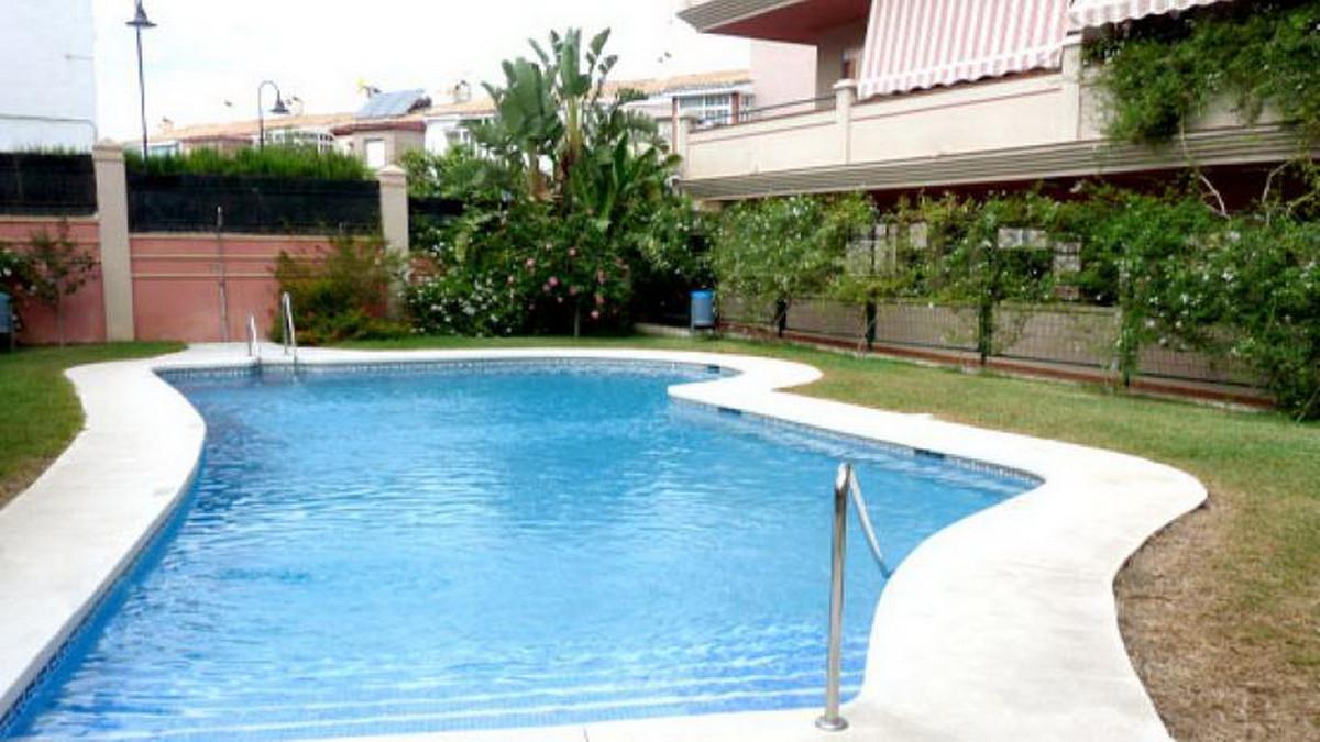 Penthouse, Las Lagunas, Costa del Sol. 1 Bedroom, 1 Bathroom, Built 116 m².  Setting : Town, Close T,Spain