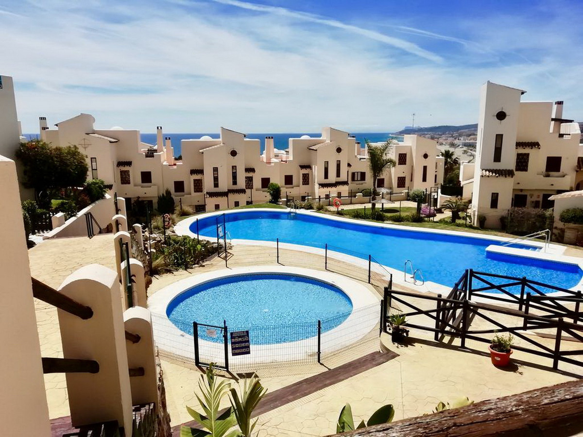 Ground Floor Apartment, Casares, Costa del Sol. 2 Bedrooms, 2 Bathrooms, Built 88 m².  Setting : Clo,Spain