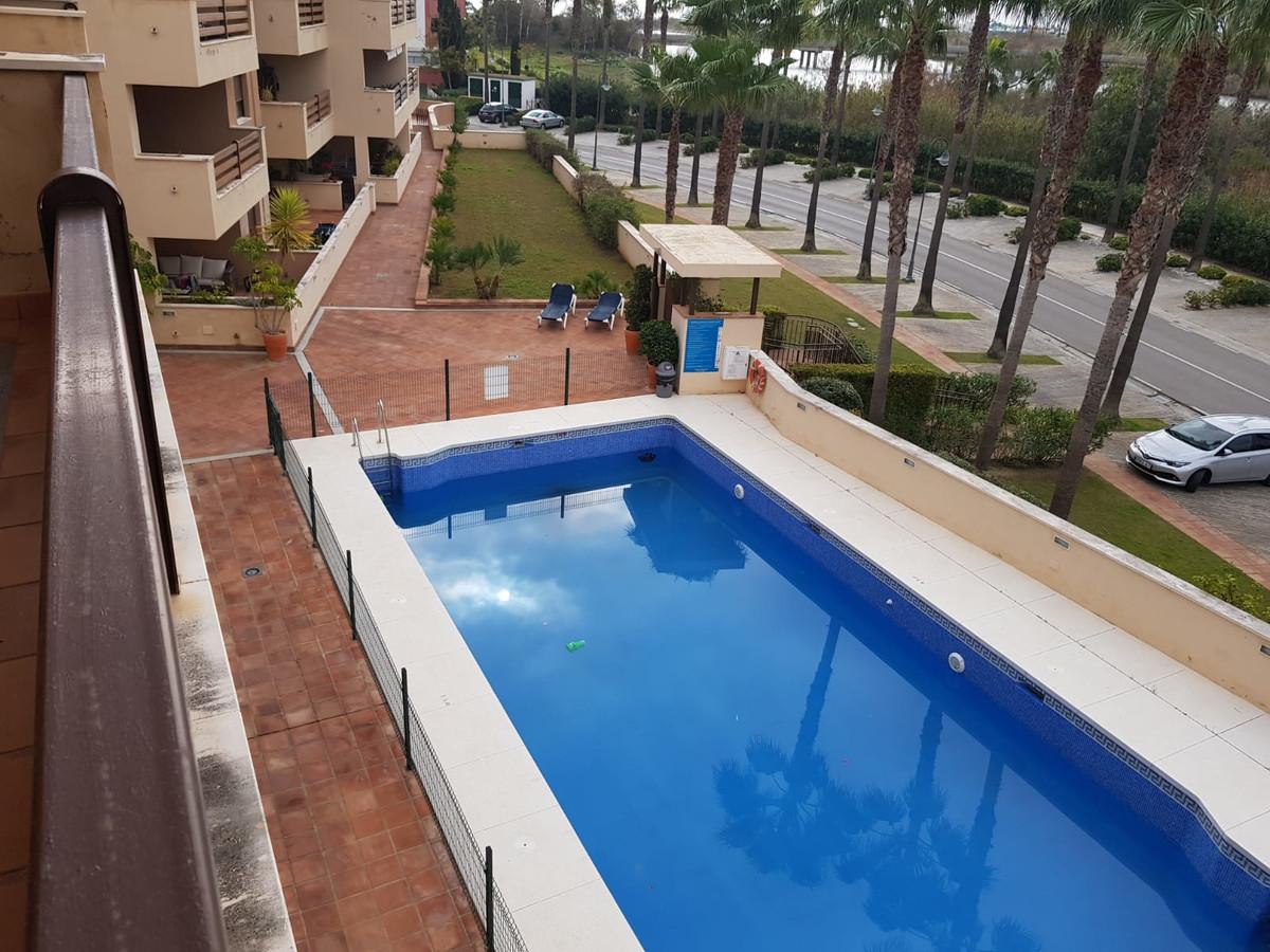 Middle Floor Apartment, Sotogrande, Costa del Sol. 2 Bedrooms, 2 Bathrooms, Built 152 m².  Setting :,Spain