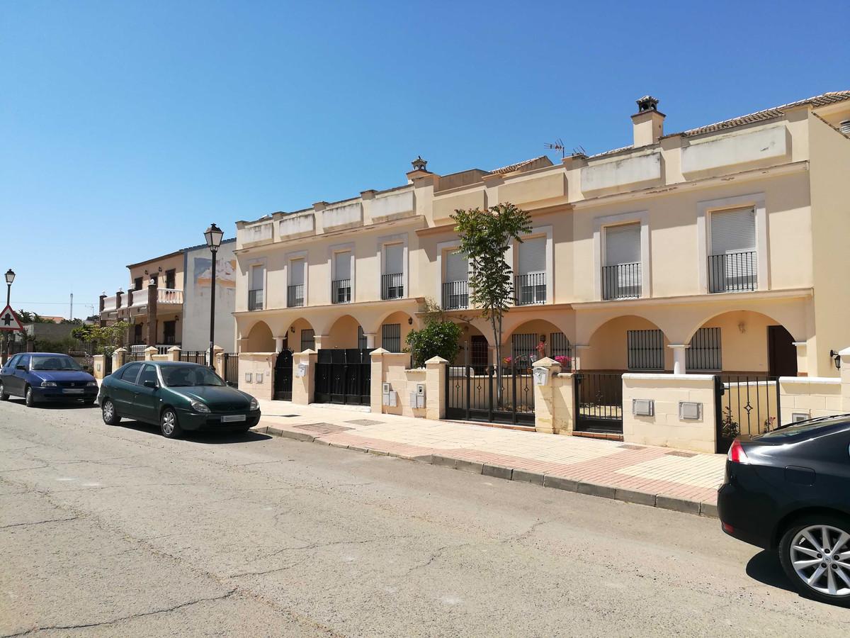 Villa for Sale in Fuente de Piedra, Costa del Sol