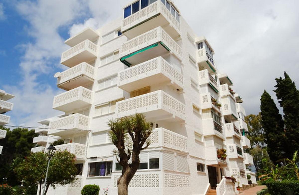 Apartment Middle Floor Estepona Málaga Costa del Sol R3555331