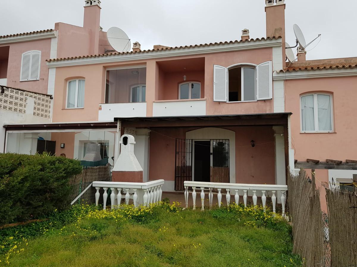 Townhouse, La Alcaidesa, Costa del Sol. 3 Bedrooms, 3 Bathrooms, Built 126 m².  Setting : Close To S,Spain