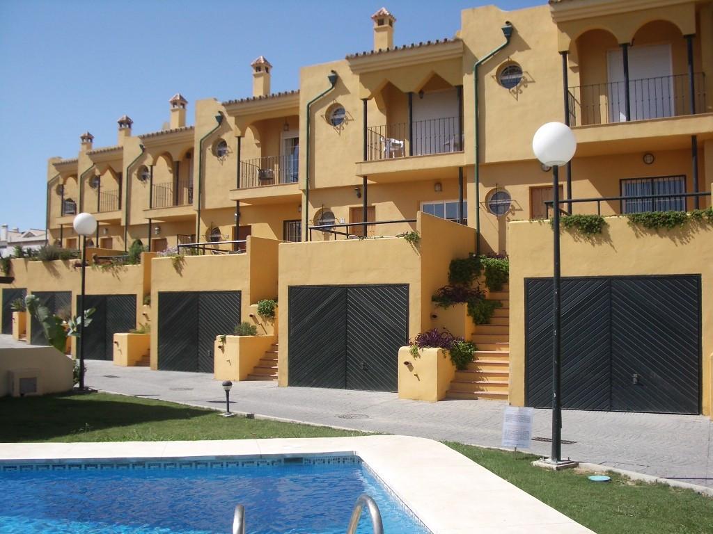 Villa for sale in Manilva