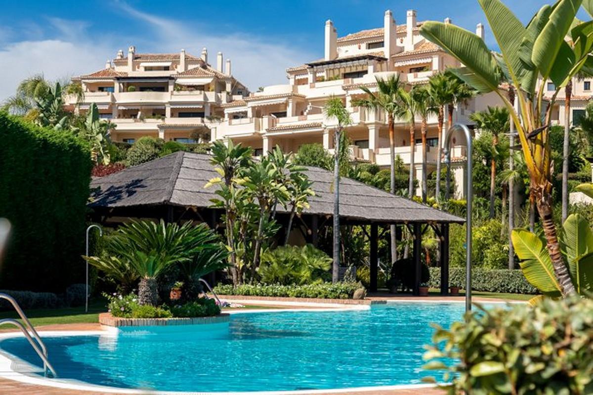 Ground Floor Apartment, Benahavis, Costa del Sol. 3 Bedrooms, 3 Bathrooms, Built 185 m².  Setting : ,Spain