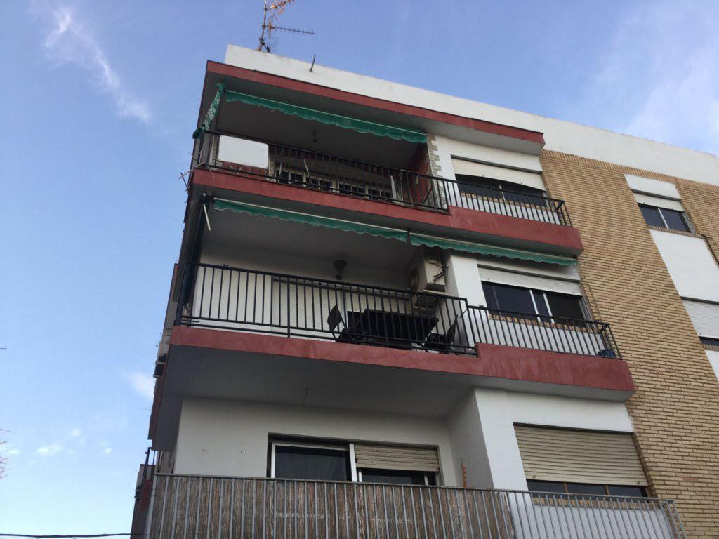Middle Floor Apartment, Motril, Granada (Costa Tropical). 4 Bedrooms, 1 Bathroom, Built 125 m².  Set,Spain