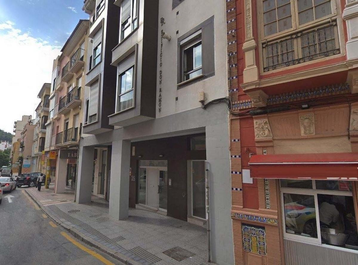 Business, Malaga, Costa del Sol. Built 136 m².  Setting : Town, Close To Sea. Orientation : South. C,Spain