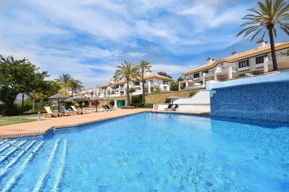 Townhouse, Mijas, Costa del Sol. 4 Bedrooms, 4 Bathrooms, Built 270 m², Terrace 44 m², Garden/Plot 5,Spain
