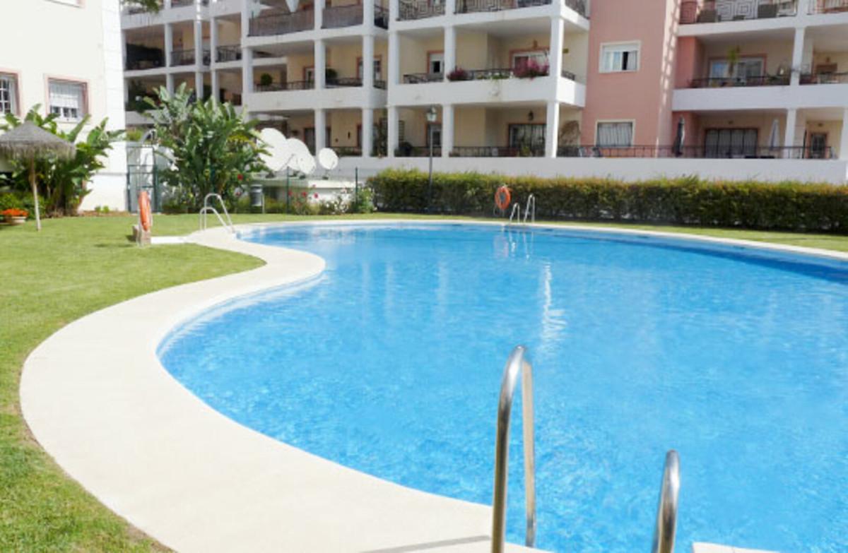 Middle Floor Apartment, Nueva Andalucia, Costa del Sol. 2 Bedrooms, 2 Bathrooms, Built 149 m².  Sett,Spain