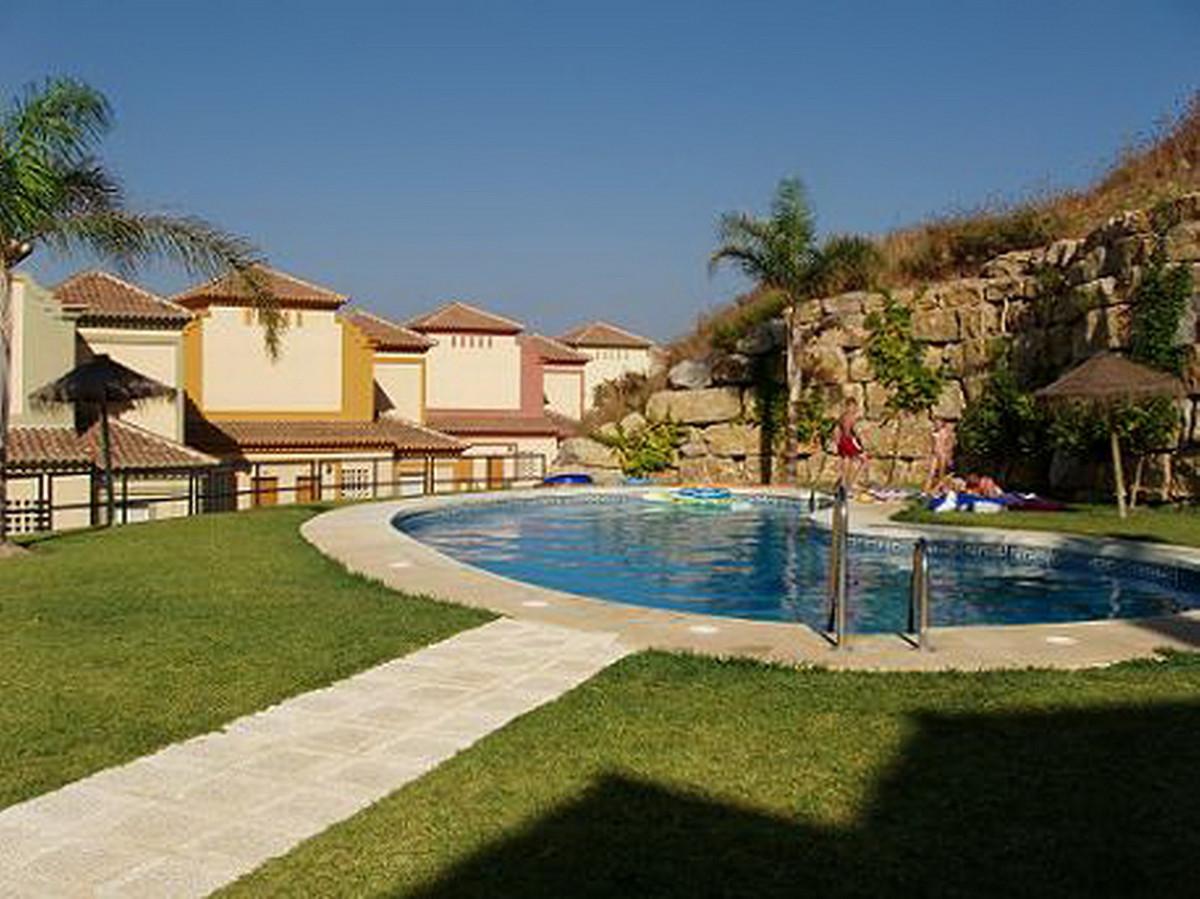 Piso Planta Baja en Casares Playa R2374280