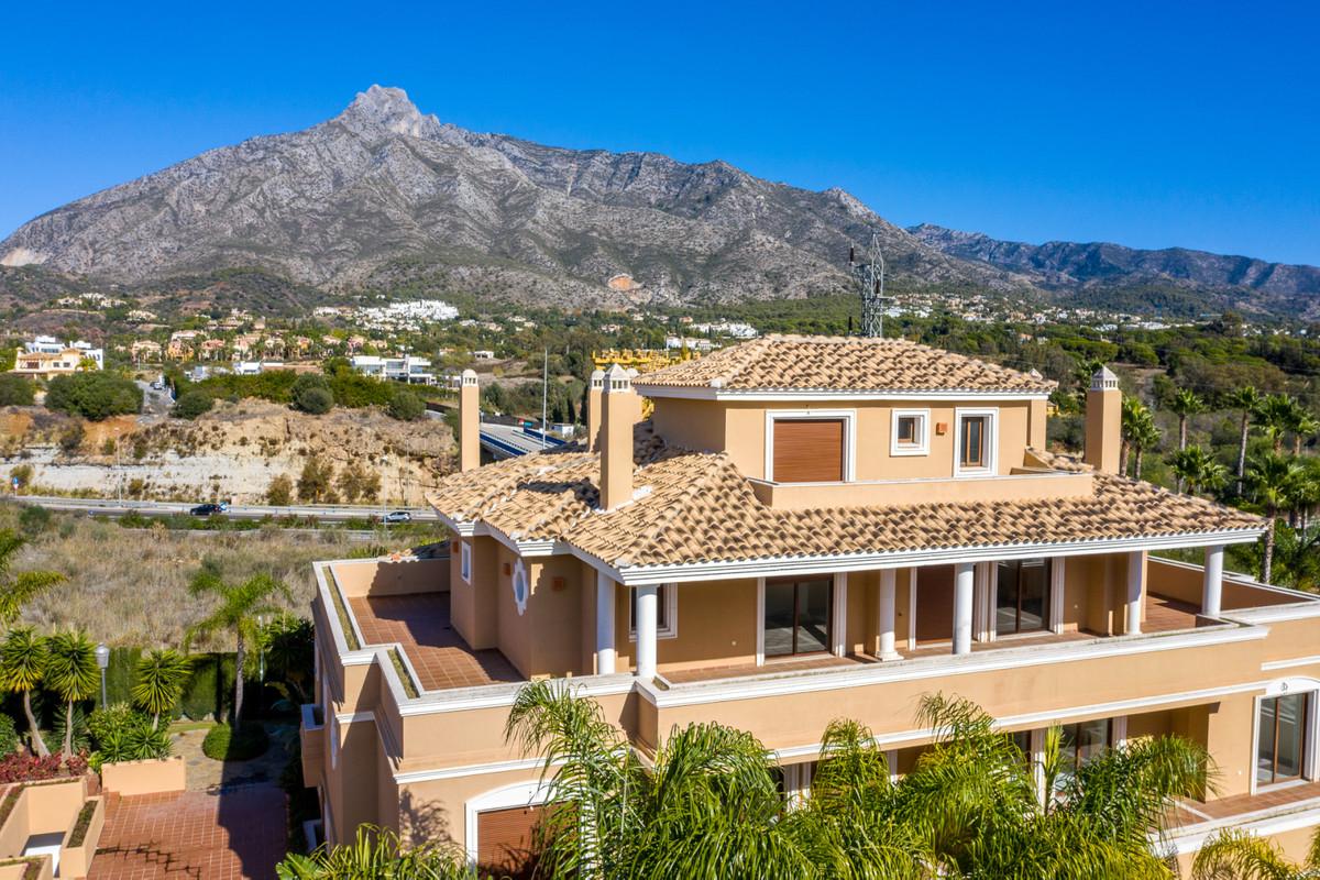 Penthouse, The Golden Mile, Costa del Sol. 3 Bedrooms, 4 Bathrooms, Built 232 m², Terrace 180 m².  S,Spain