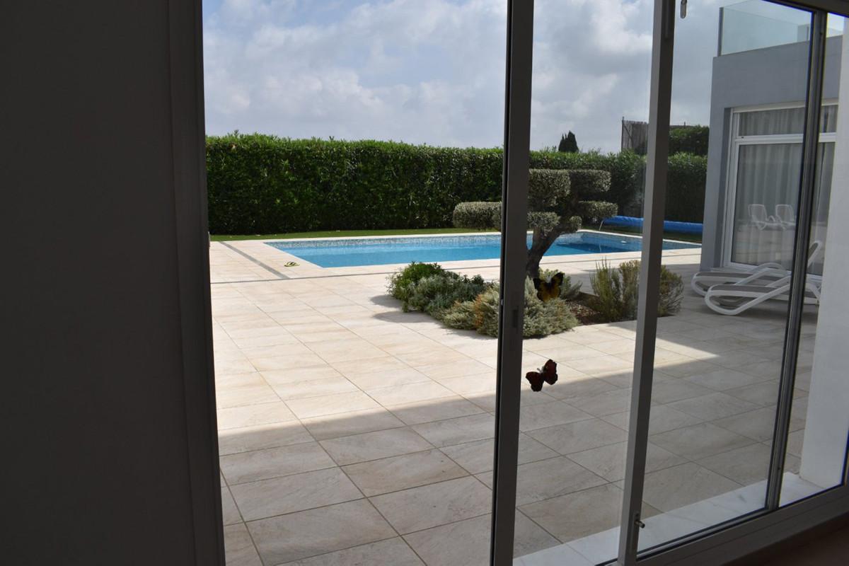 House in Alhaurín el Grande R3912604 25