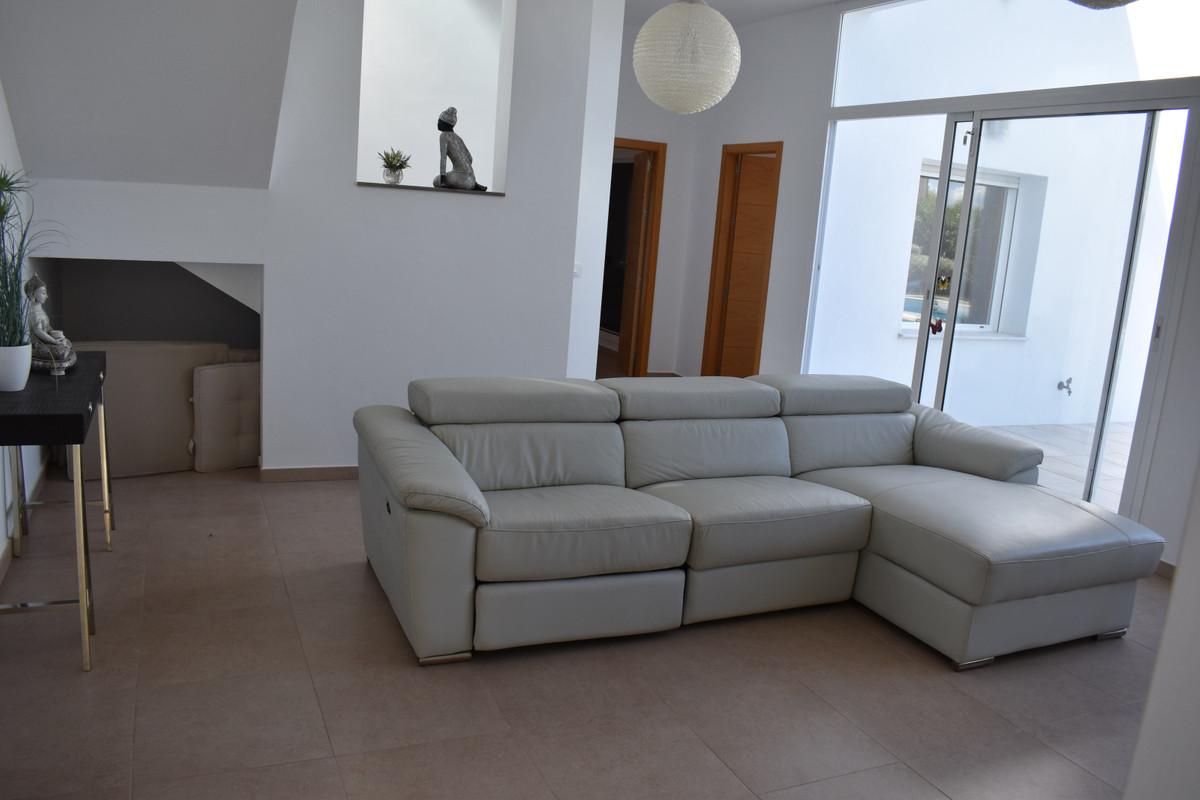 House in Alhaurín el Grande R3912604 84