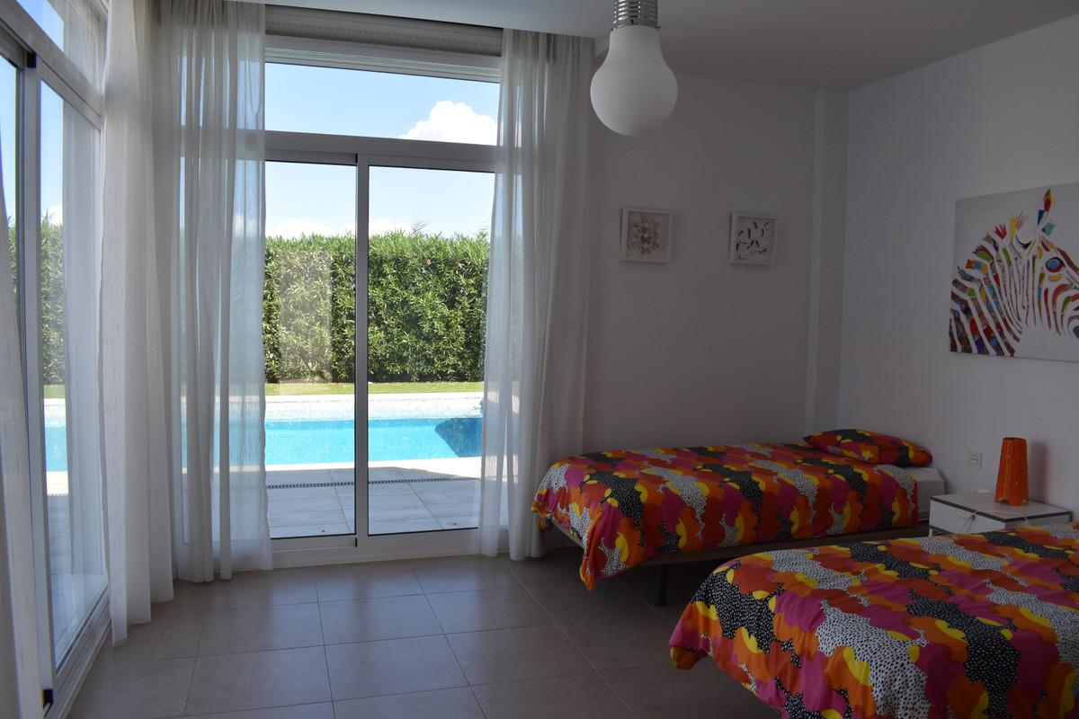 House in Alhaurín el Grande R3912604 86