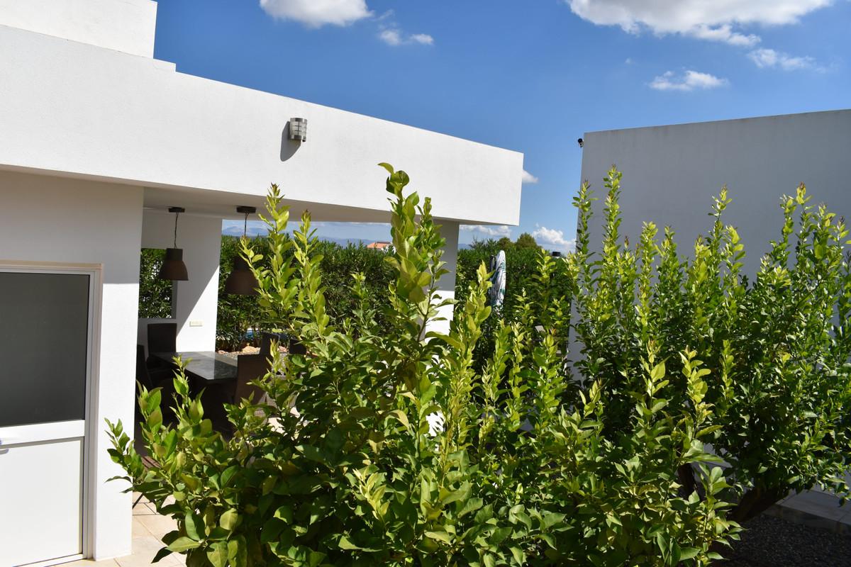 House in Alhaurín el Grande R3912604 96