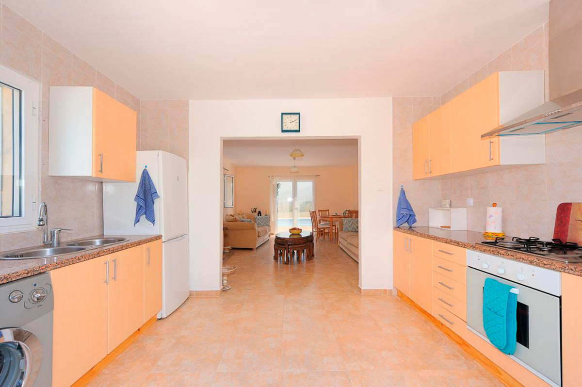 House in Alhaurín el Grande R3876040 10