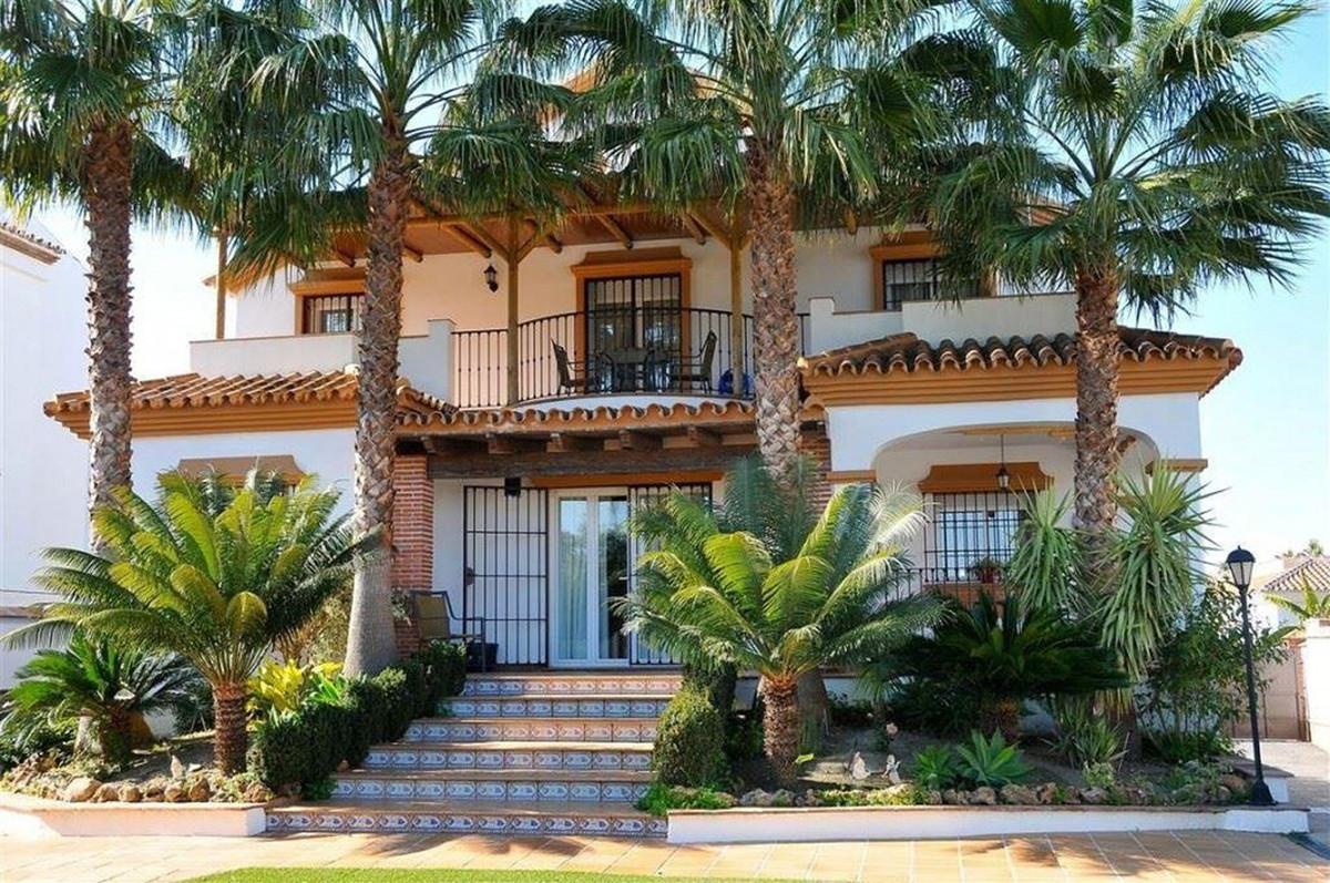 House in Alhaurín el Grande R3895276 1