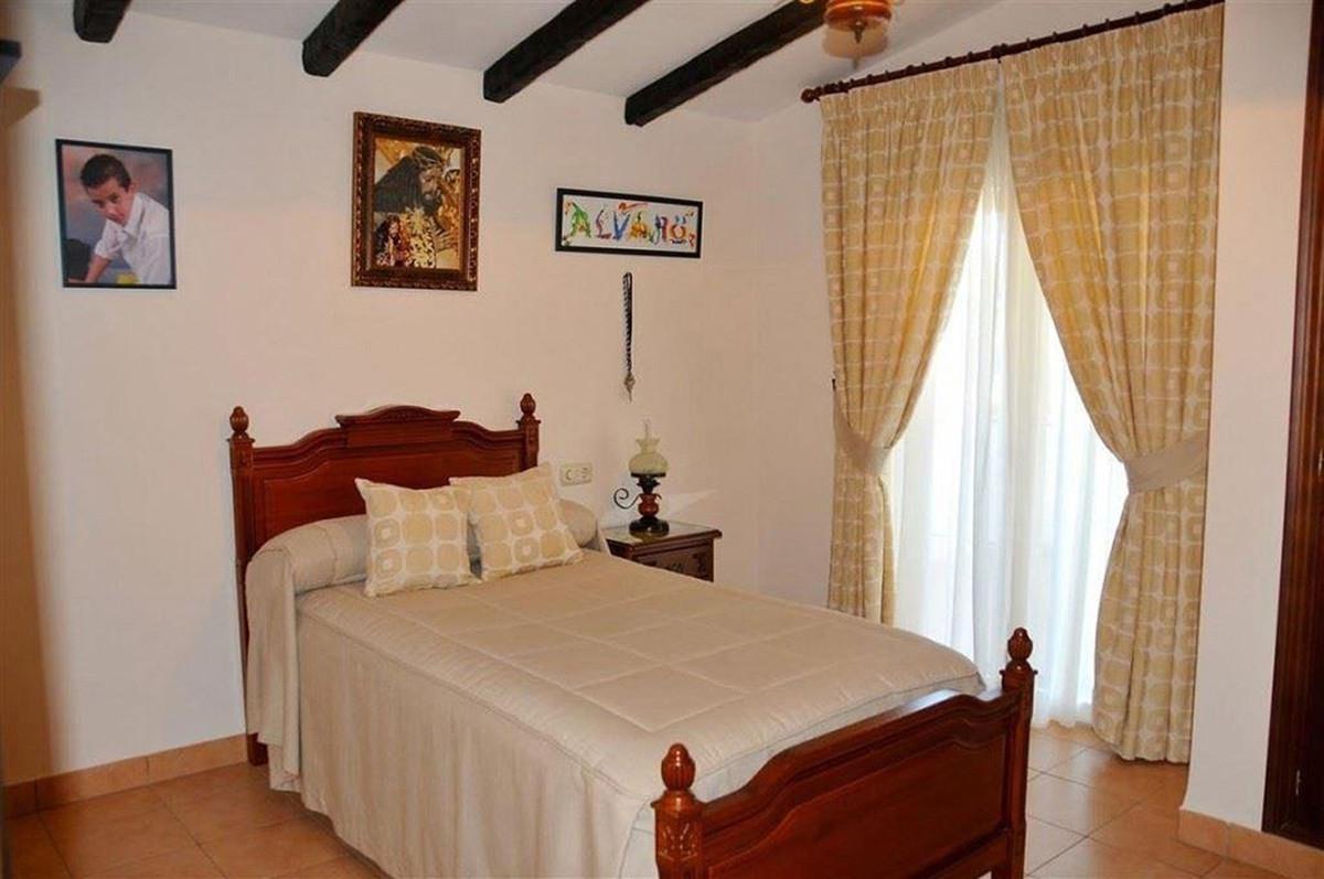 House in Alhaurín el Grande R3895276 11