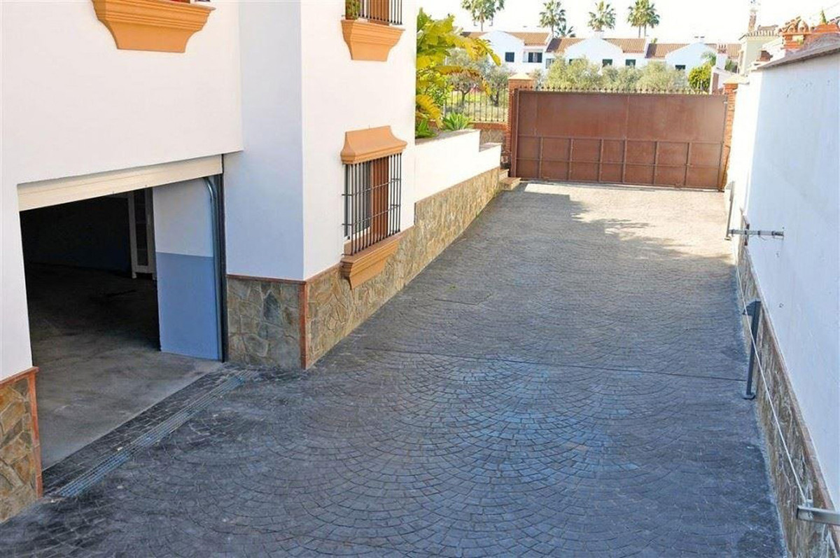 House in Alhaurín el Grande R3895276 19