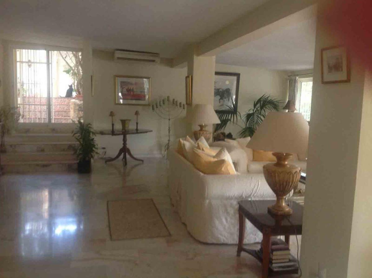 House in Alhaurín el Grande R3793273 6