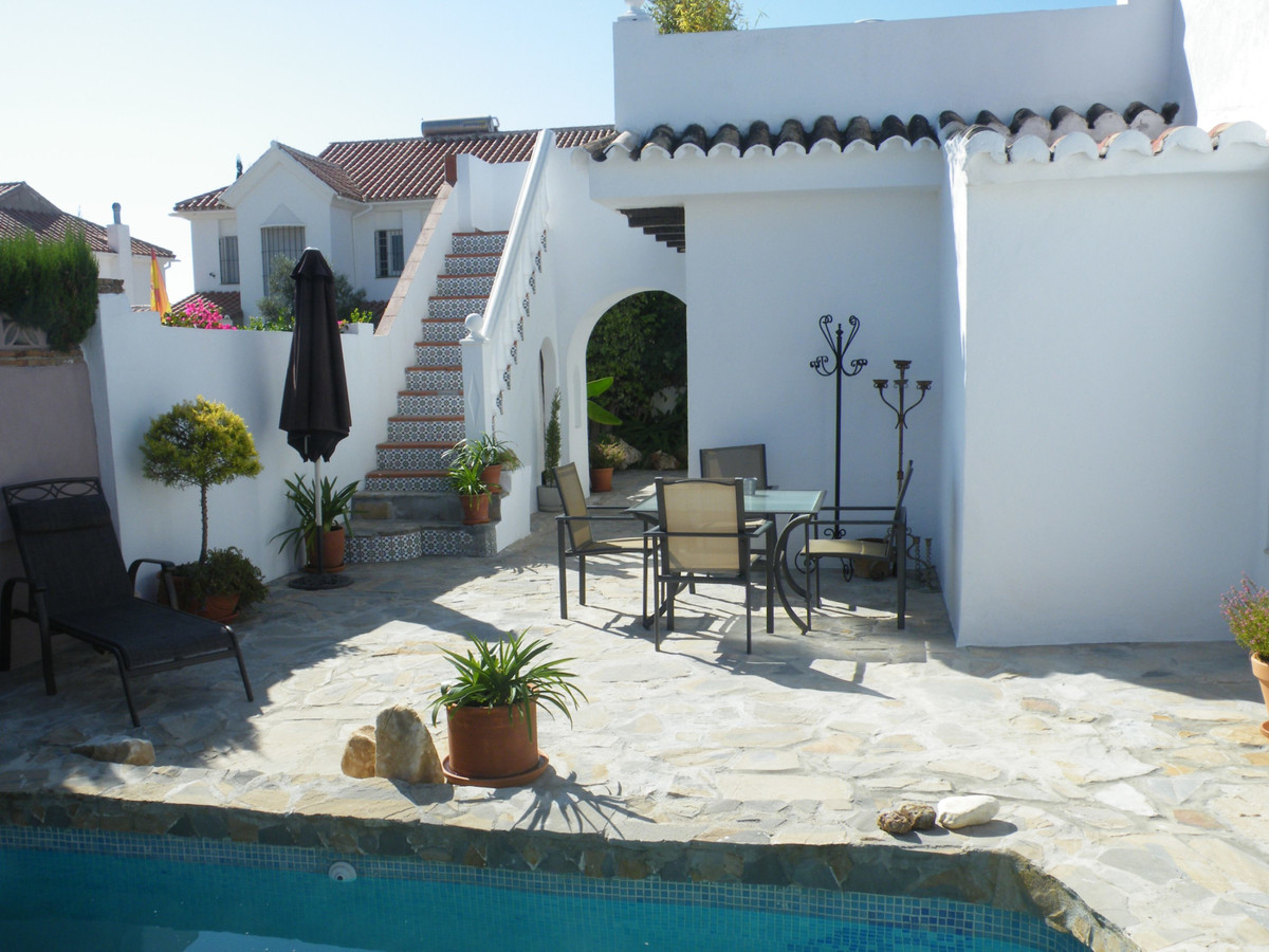 House in Calypso R3611117 17