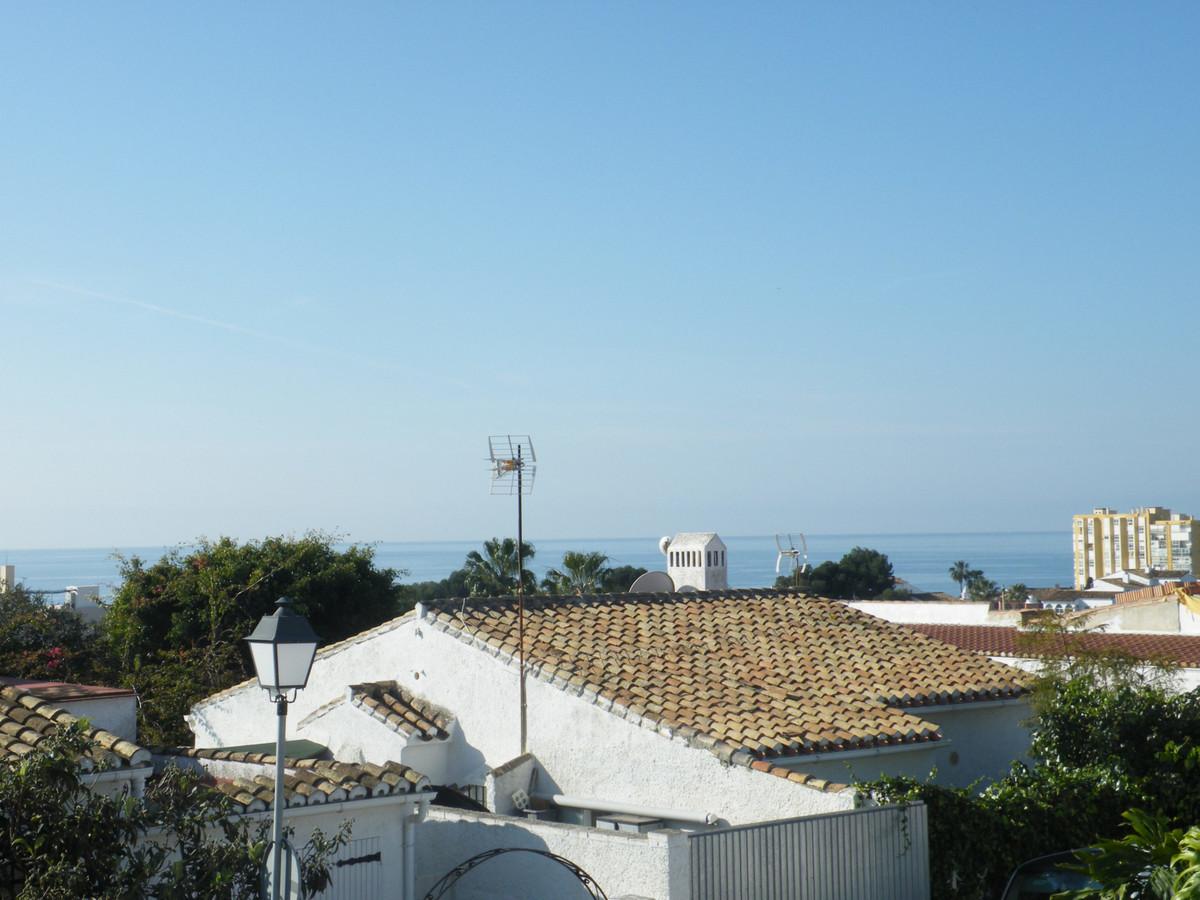 House in Calypso R3611117 18