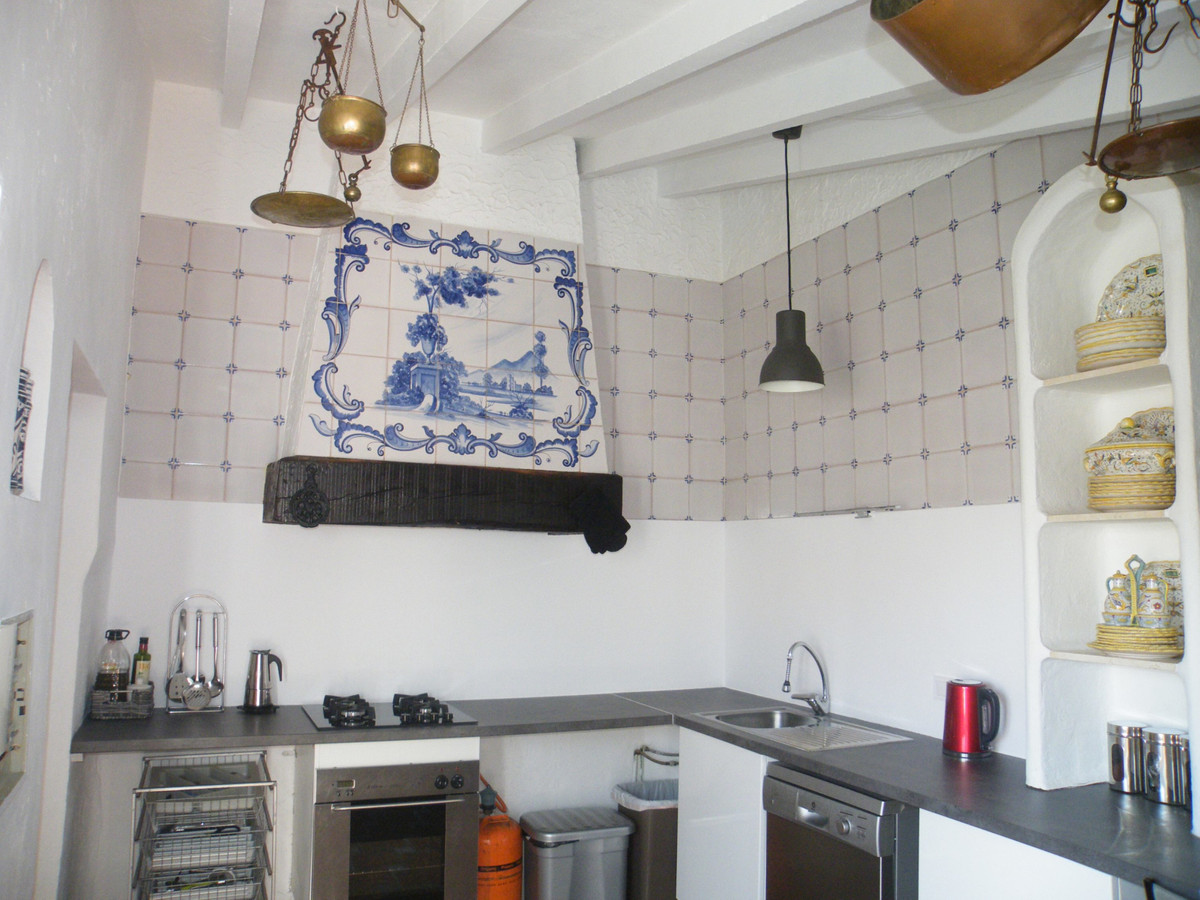 House in Calypso R3611117 19