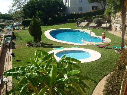 Nice property located in a complex of the well established residential area of Riviera, It has 2 bed,Spain