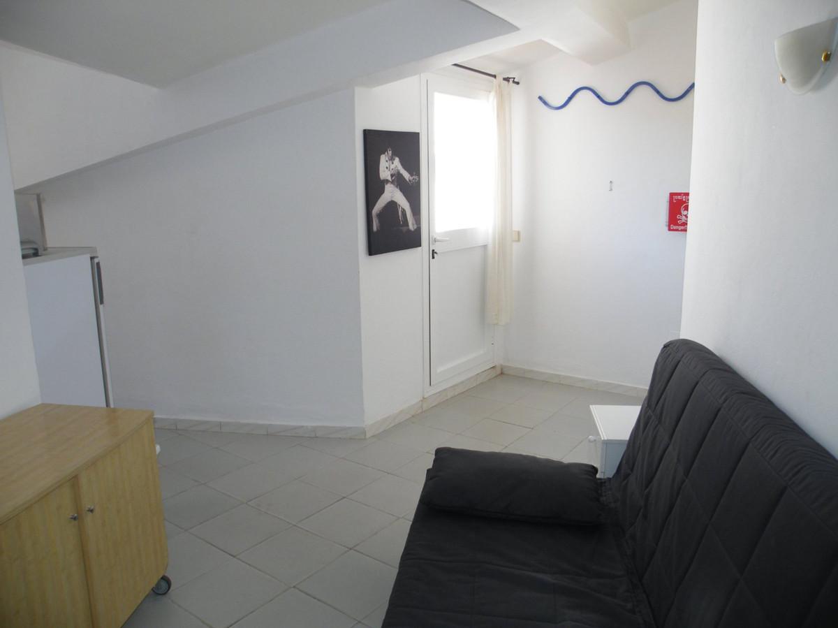 R2906582: Studio for sale in Calypso