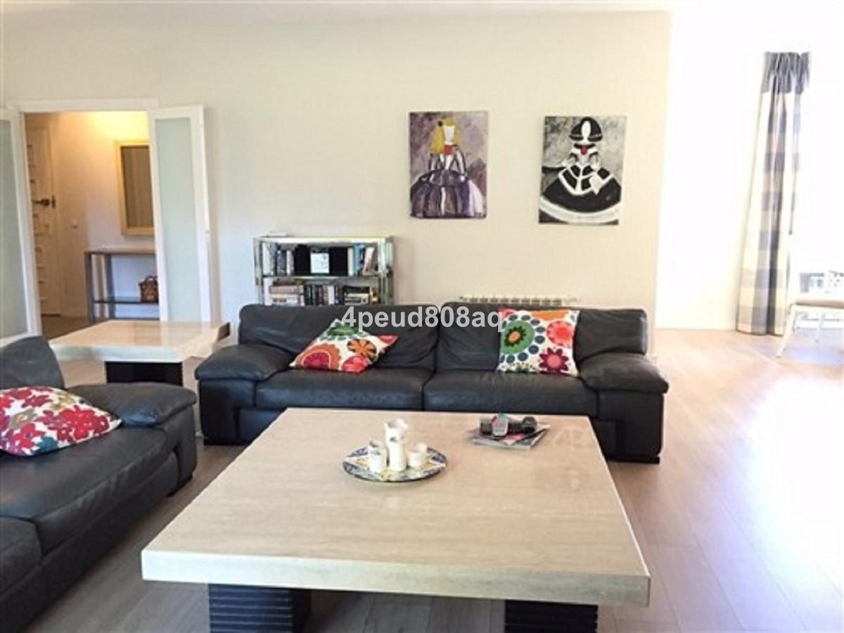 Appartement te koop in Los Monteros R3576613
