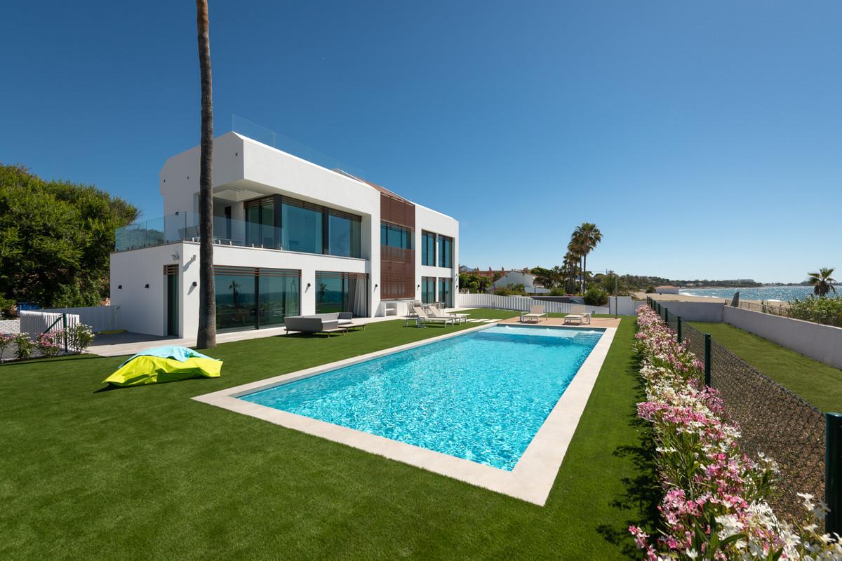 5 Bedroom Villa For Sale - New-Golden-Mile