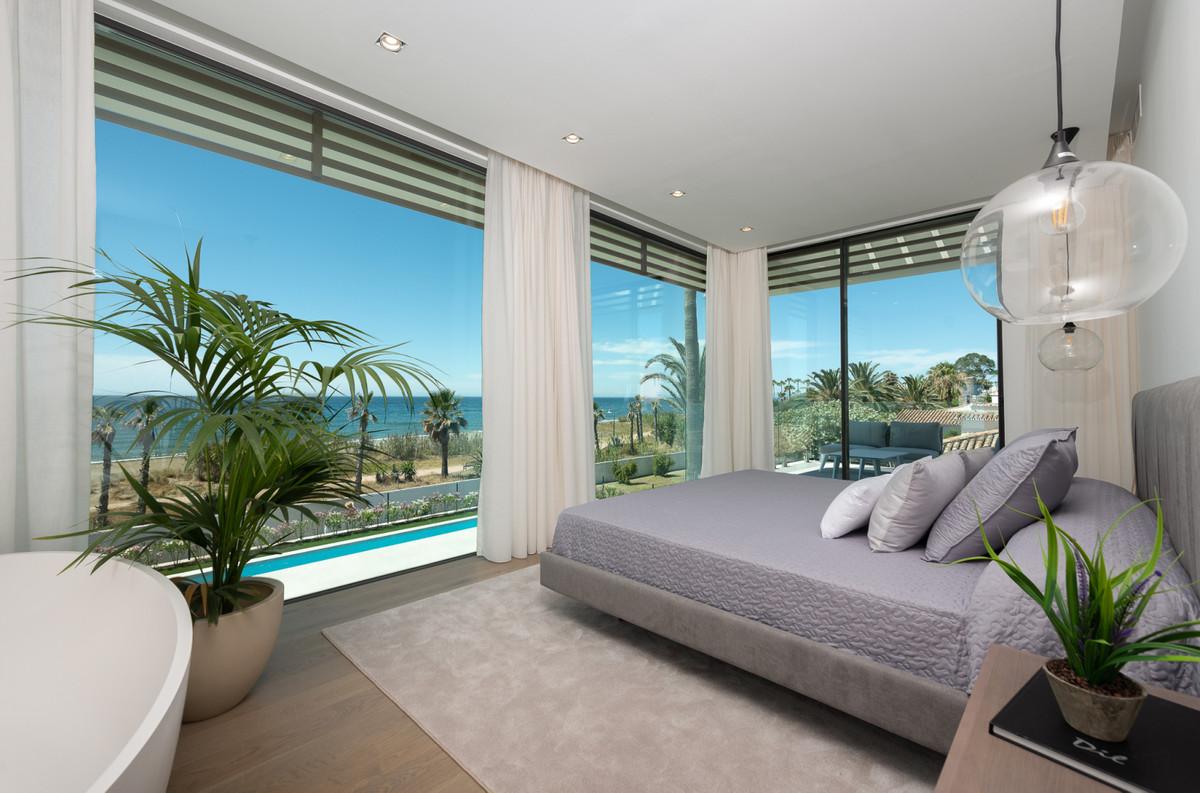 5 Bedroom Detached Villa For Sale New Golden Mile