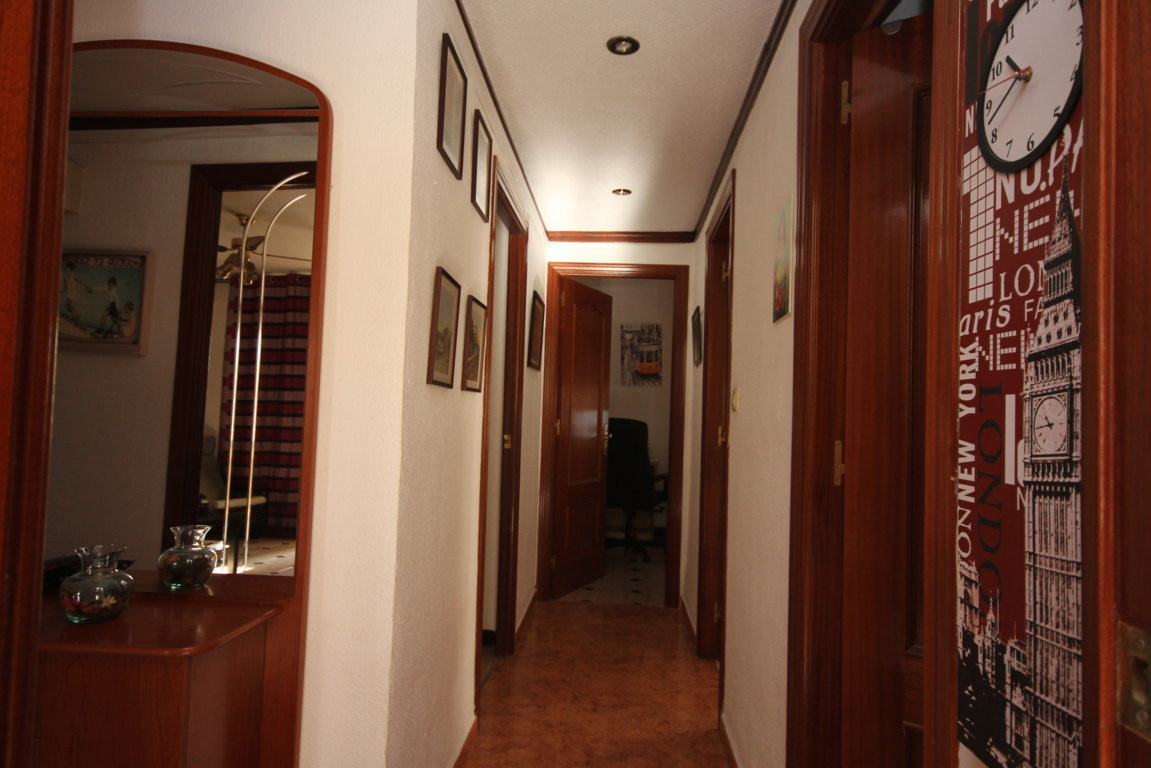3 Bedroom Middle Floor Apartment For Sale Málaga