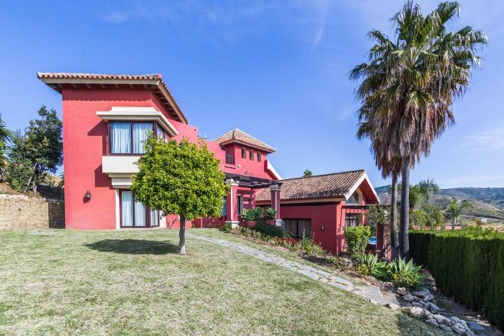 Detached Villa in Hacienda Las Chapas R649052