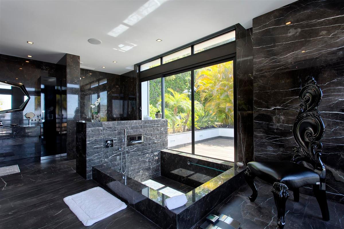 Villa con 8 Dormitorios en Venta Sierra Blanca