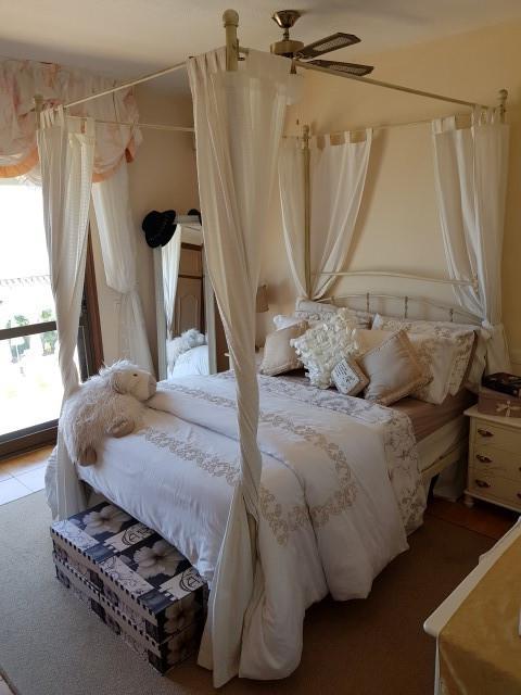 Villa te koop in El Faro R2938049