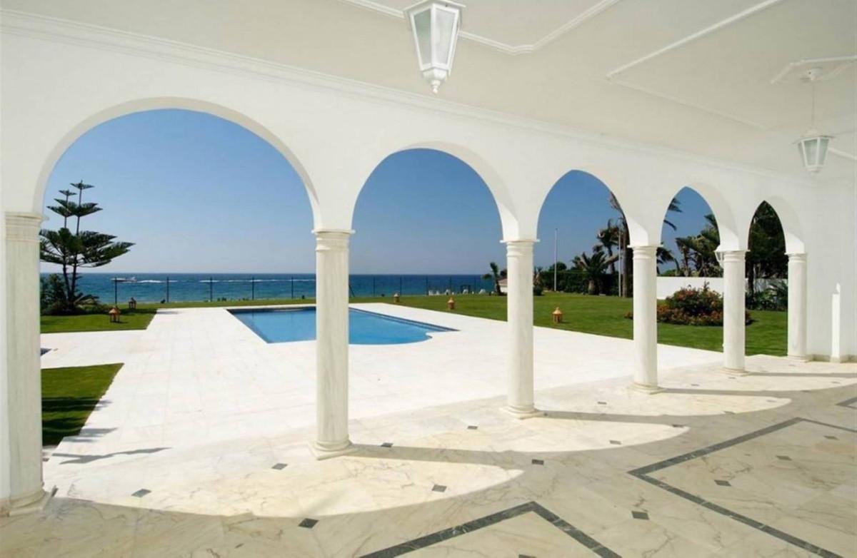 Villa en Venta en Guadalmina Baja