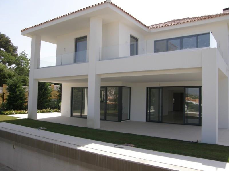 Villa · Artola