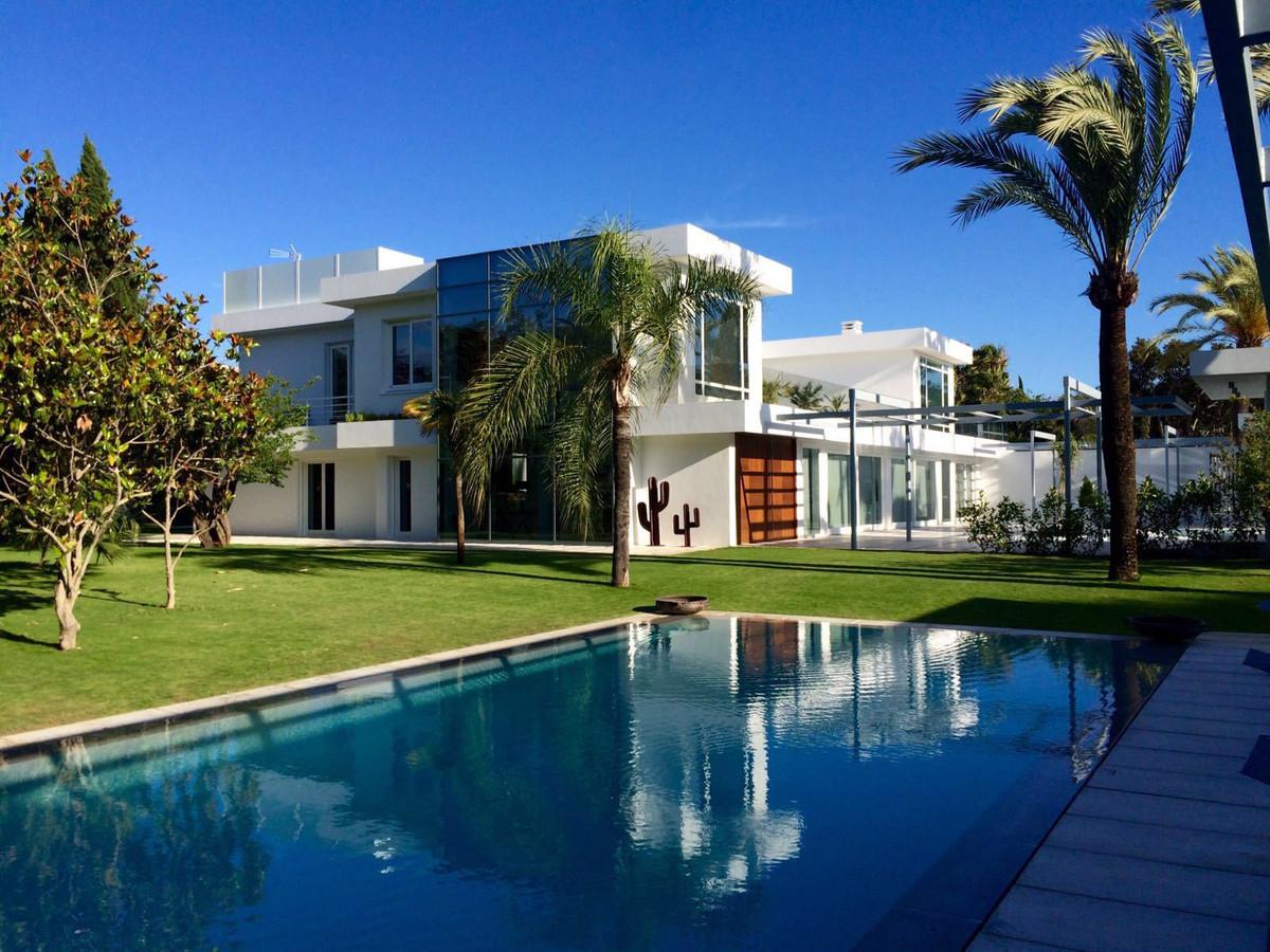 Villa Te Koop - Guadalmina Baja