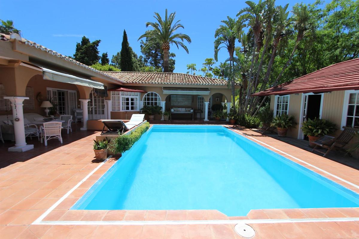 Villa 3 Dormitorios en Venta Hacienda Las Chapas